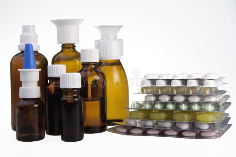 Brown-medizinische Flaschen Pillen lizenzfreie stockbilder
