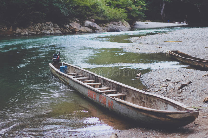 Brown Motor Boat On River Free Public Domain Cc0 Image