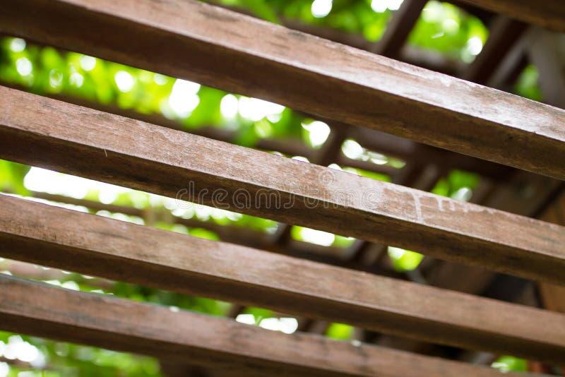Brown Obciosuje Drewnianego lath dach interliniuje oddzielnie obrazy royalty free