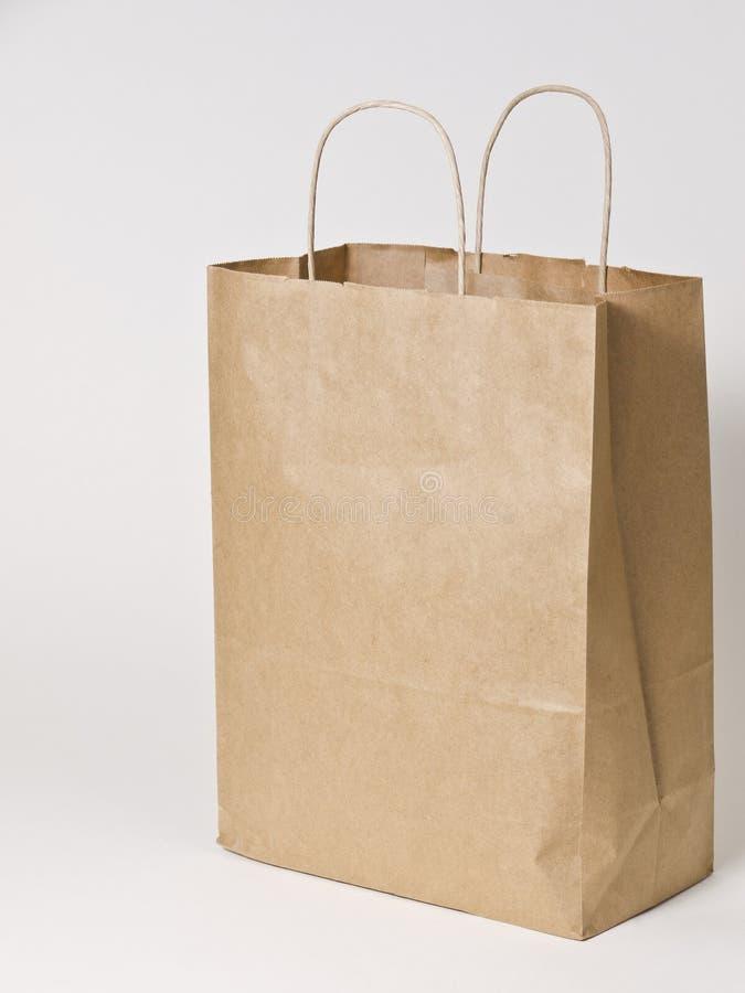 Brown-Papier-Einkaufstasche Stockfoto - Bild von griffe, kleidung ...