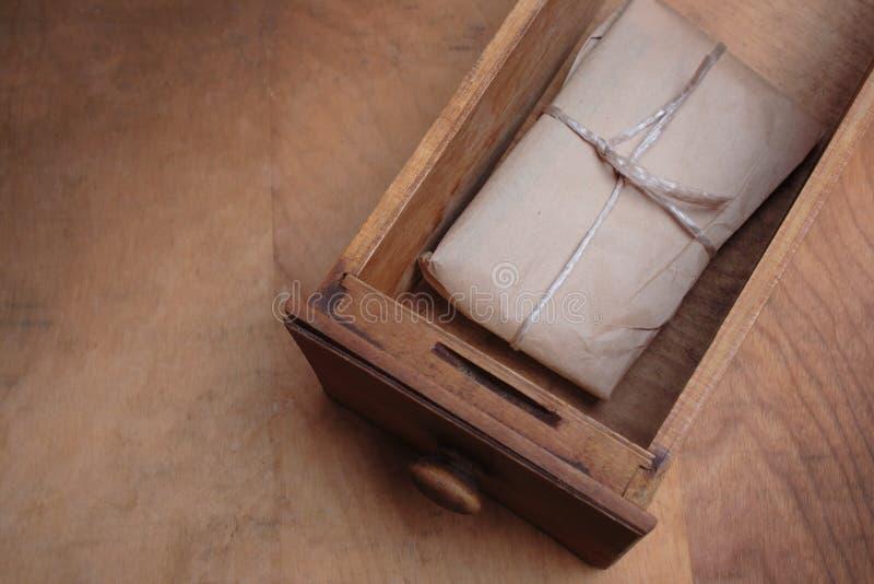 Brown-Papierpaket lizenzfreies stockfoto