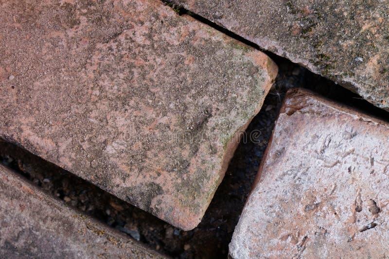 Brown-Schmutzziegelstein werden vereinbart stockfoto