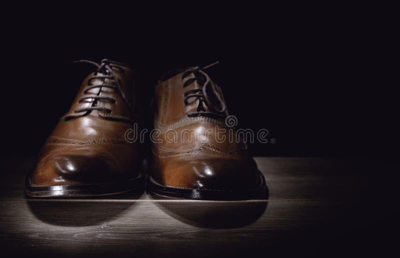 Brown sirve los zapatos de cuero handcrafted de la moda fotografía de archivo