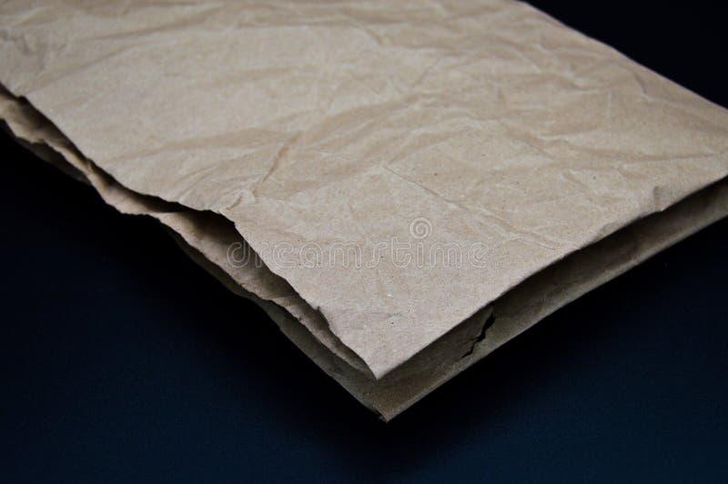 Brown und beige zerknittertes Papier, Pappe lizenzfreie stockbilder