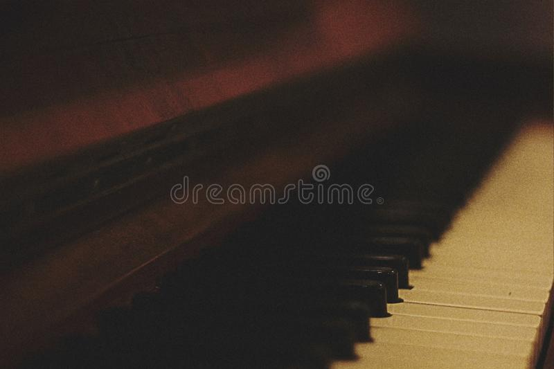 Brown Wooden Piano In Shallow Focus Lens Free Public Domain Cc0 Image