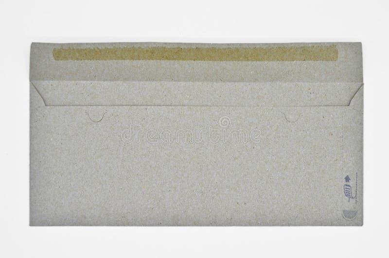 Brown y sobres beige usados para la correspondencia comercial foto de archivo