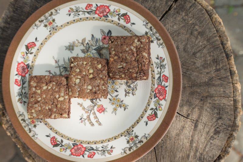 Brownie στο εκλεκτής ποιότητας ξύλο στοκ εικόνες