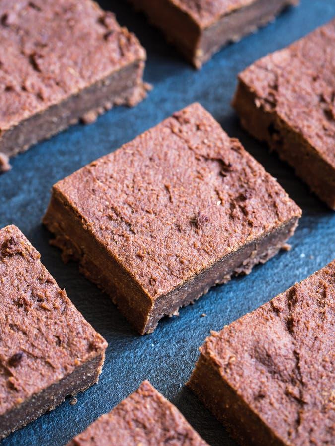 Brownie gluten-libres flourless de la patata dulce del vegano fotos de archivo