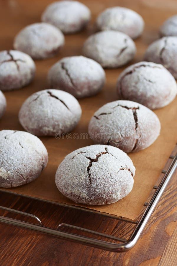 Brownie krinkle koekjes Het dessert van de chocolade royalty-vrije stock foto's
