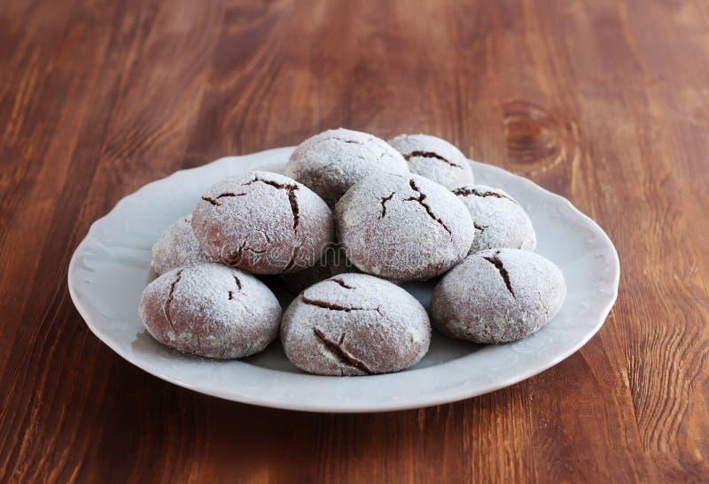 Brownie krinkle koekjes Het dessert van de chocolade stock foto's