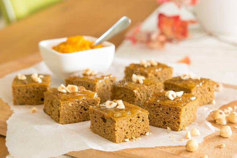 Brownie libres de la calabaza del gluten imagen de archivo