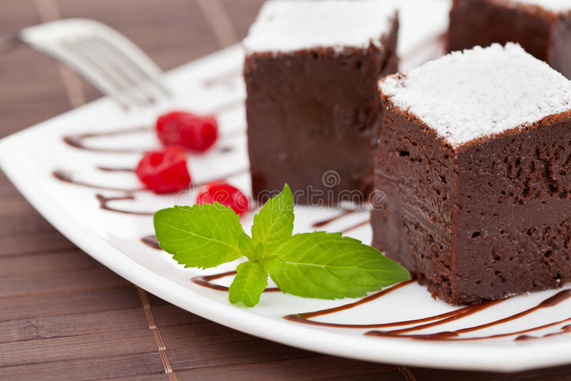 Brownie o tortas de chocolate dulces fotografía de archivo