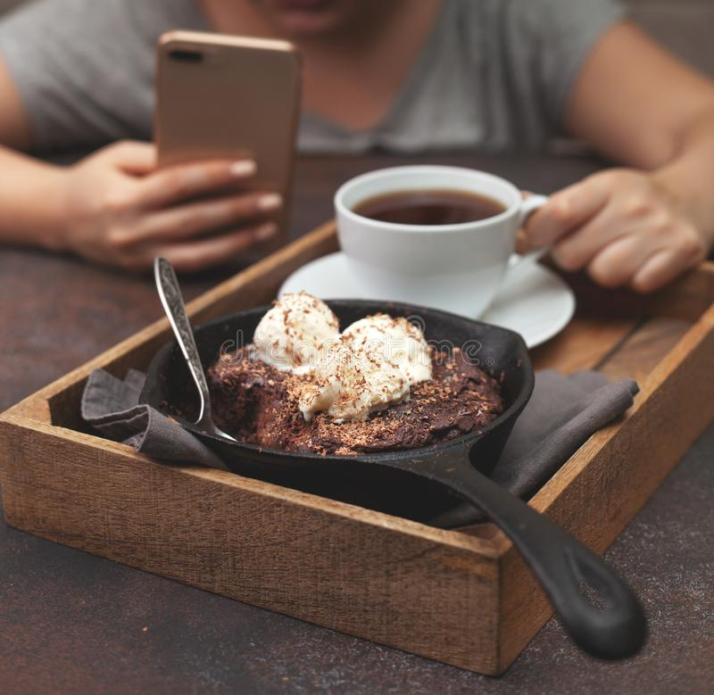 Brownie with vanilla ice cream royalty free stock images