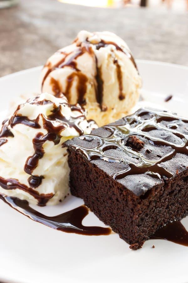Brownie y helado imágenes de archivo libres de regalías