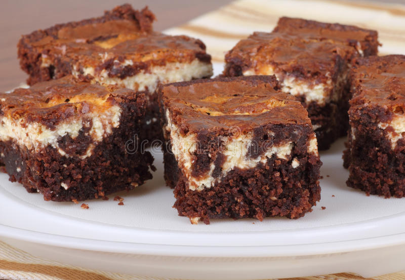 Brownies do bolo de queijo do chocolate imagens de stock royalty free