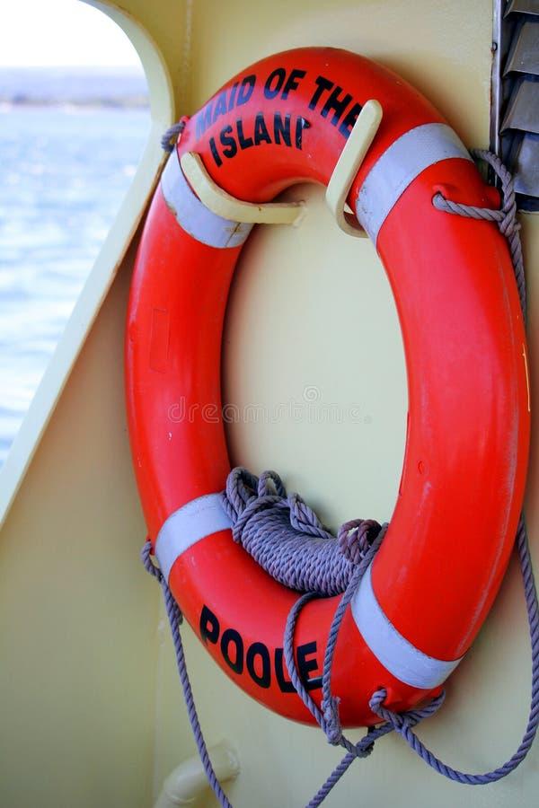 Brownsea, Dorset Anglia, Czerwiec, - 02 2018: Lifebelt lub lifebuoy o zdjęcie stock