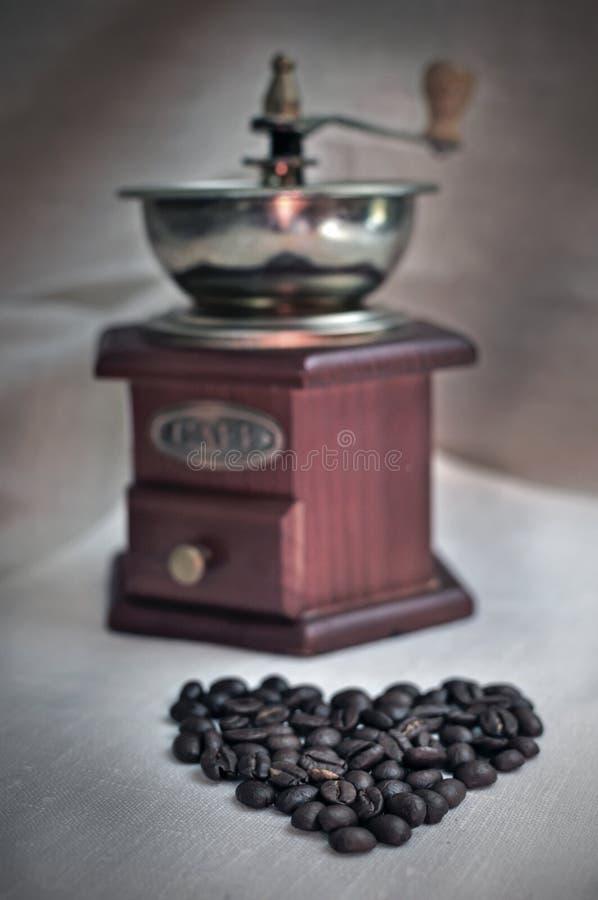 Broyeur d'offee de ¡ de Ð et grains de café photo libre de droits