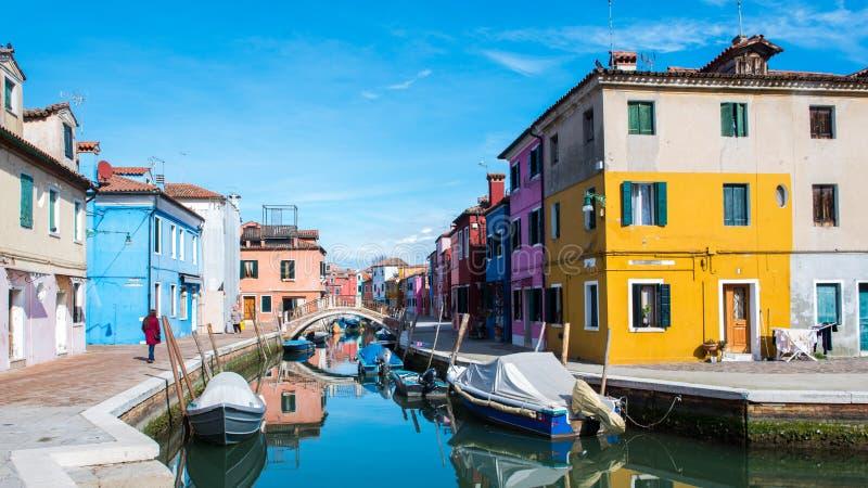 Bruano Италия и свои красивые каналы стоковые фото