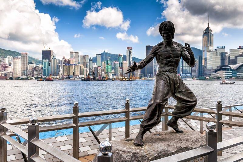 Bruce Lee minnesmärke i aveny av stjärnor i Hong Kong, Kina royaltyfria foton