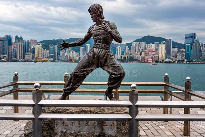 Bruce Lee statua przy aleją gwiazdy w Tsim Sha Tsui obraz royalty free