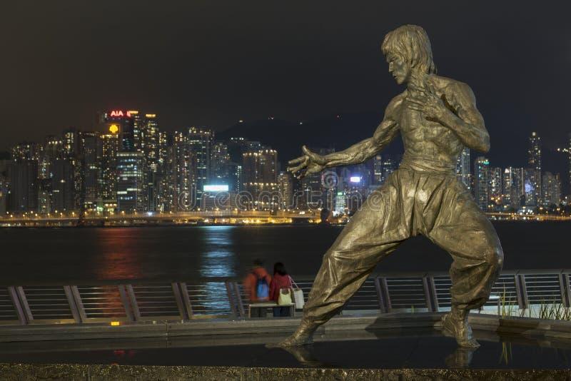 Bruce Lee-Statue auf der Allee von Sternen in Hong Kong stockbild