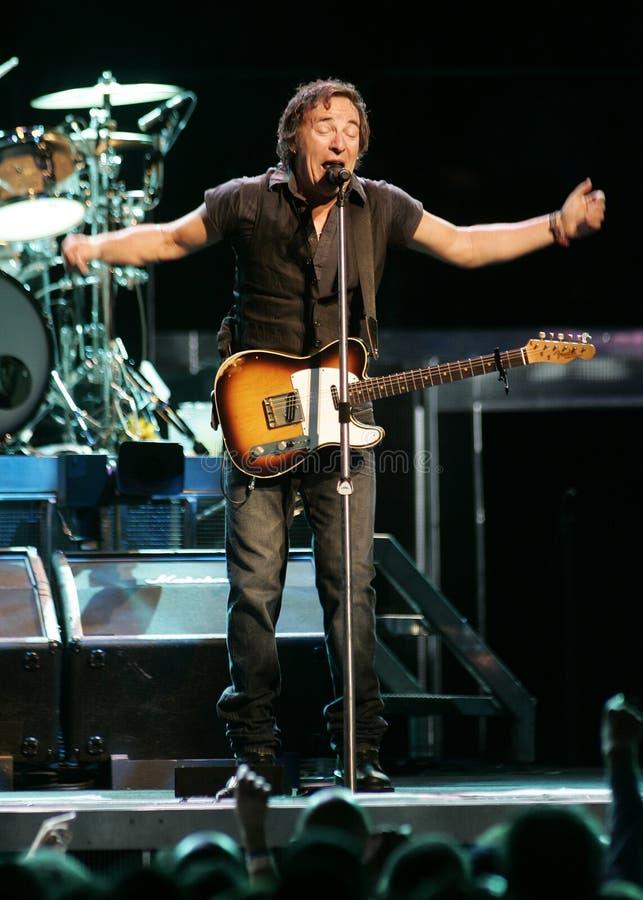 Bruce Springsteen och hans E Street Band utför royaltyfri bild