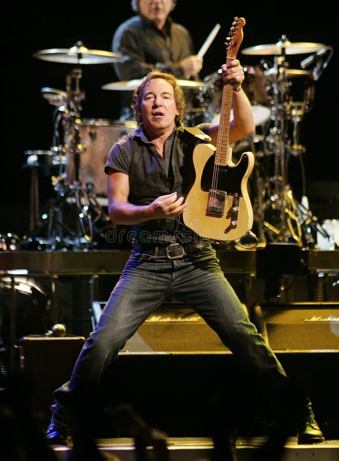 Bruce Springsteen och hans E Street Band utför royaltyfria foton