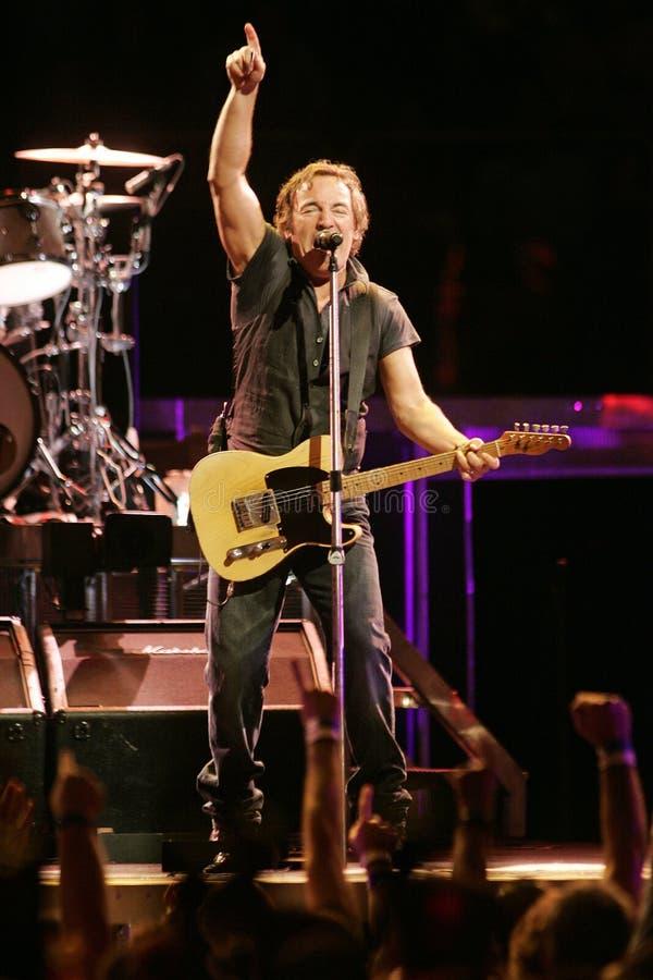 Bruce Springsteen och hans E Street Band utför royaltyfria bilder