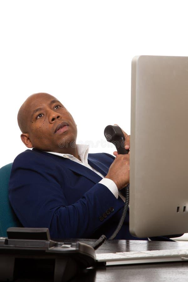 Bruch Afroamerikaner-Geschäftsmann-Takes A vom Telefon stockbilder