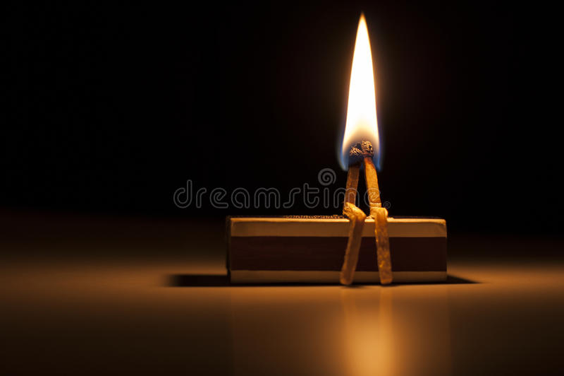 Bruciando nell'amore fotografie stock libere da diritti