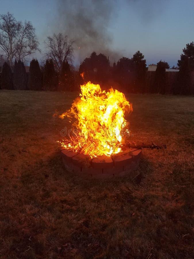 Bruciatura dell'albero di Natale di 2018 fotografia stock libera da diritti