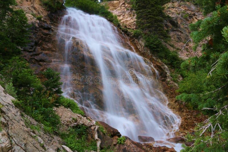 brud- falls skyler royaltyfria bilder