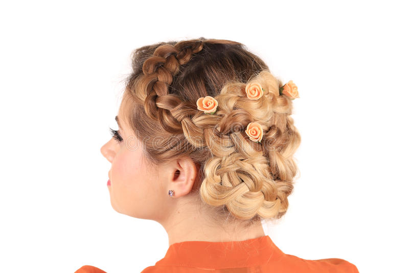 Brud- frisyr med blommor royaltyfria bilder