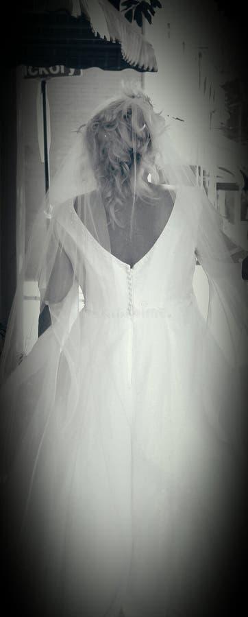 Brud i white royaltyfri foto