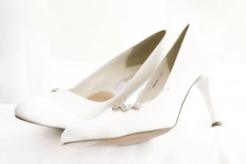 brud s shoes bröllop arkivfoton