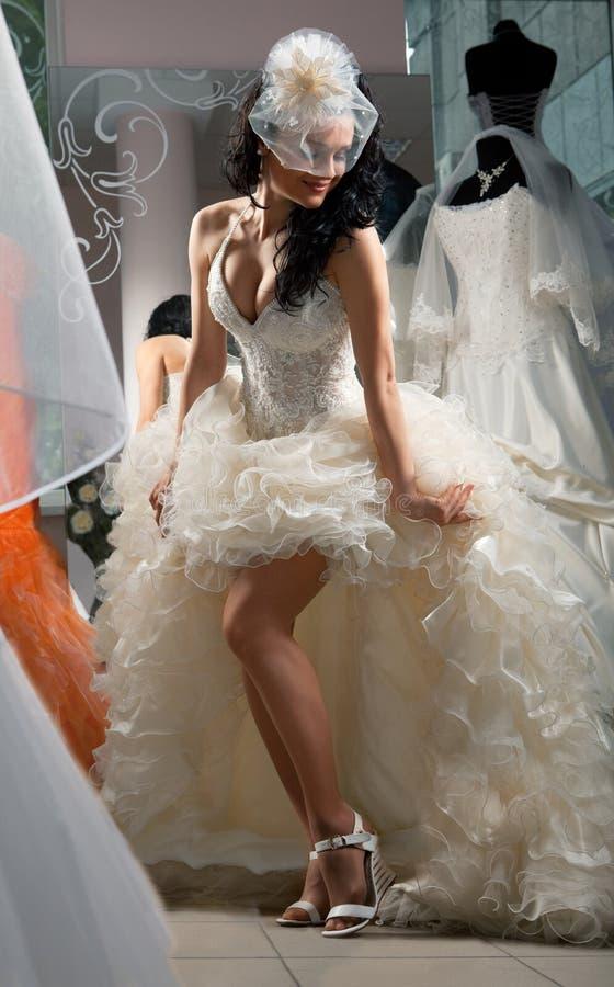 brud- shoppa kvinnan royaltyfria foton