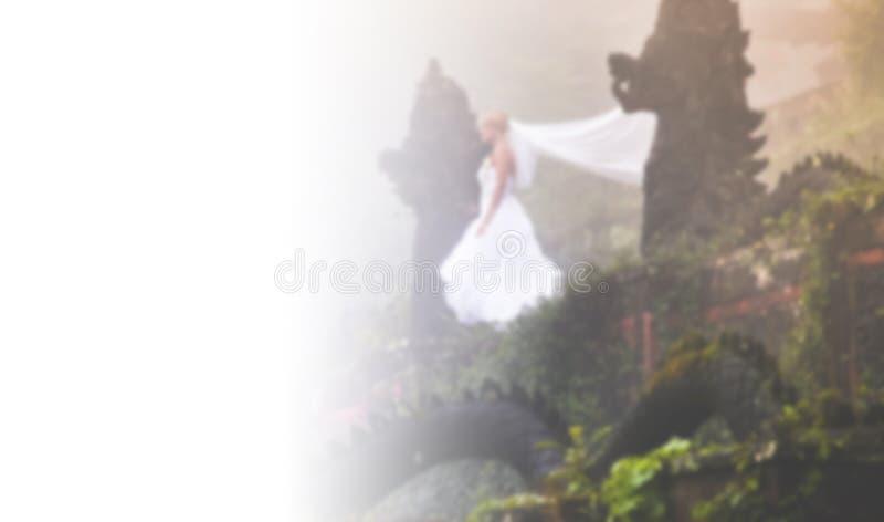 Bruden i fe parkerar i Bali arkivbilder