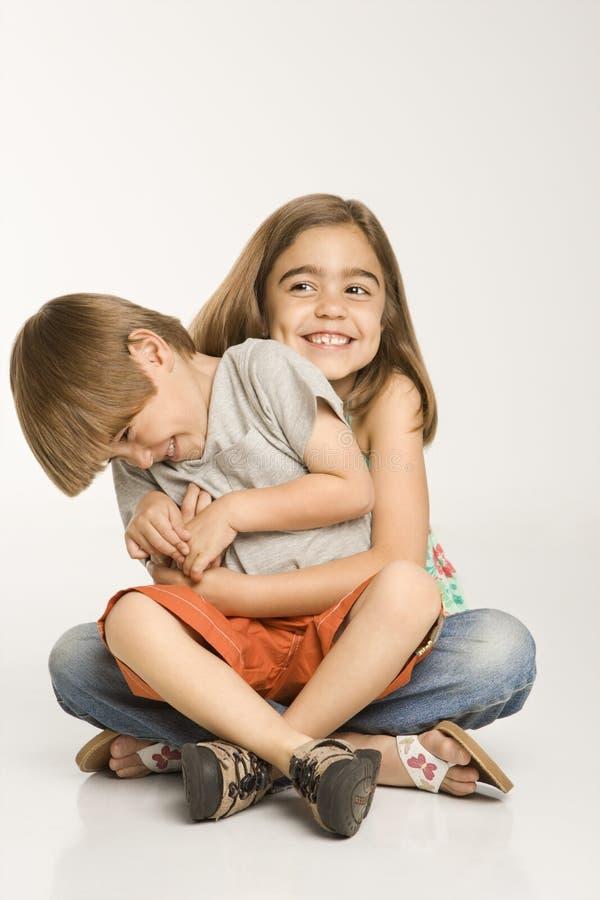 Bruder und Schwester. stockbild