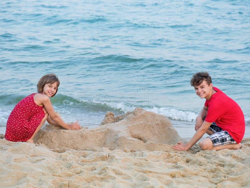 Bruder-Schritt-Schwester-Strand Erlebnisse Sommer