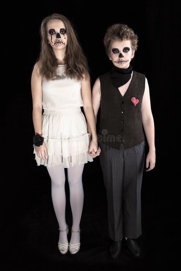 Brudgum och brud - zombie royaltyfria bilder