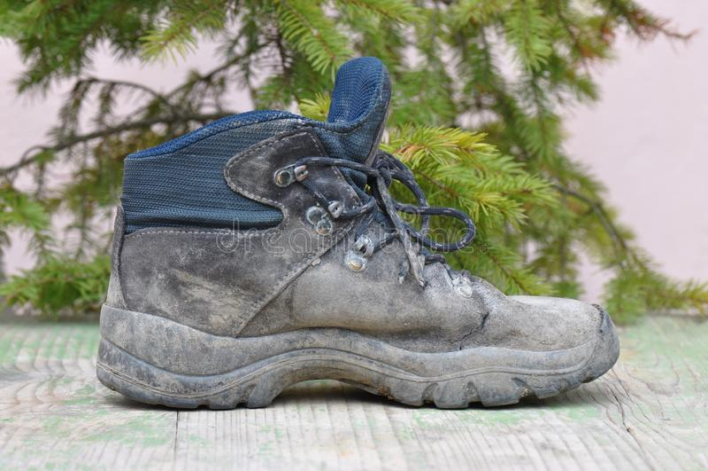 Brudni działanie buty zdjęcie royalty free