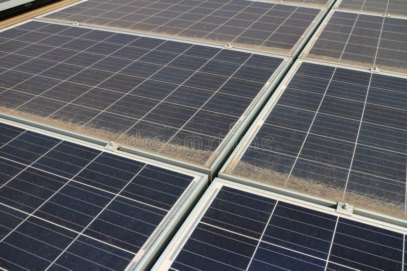 Brudni Zakurzeni Photovoltaic panel fotografia stock