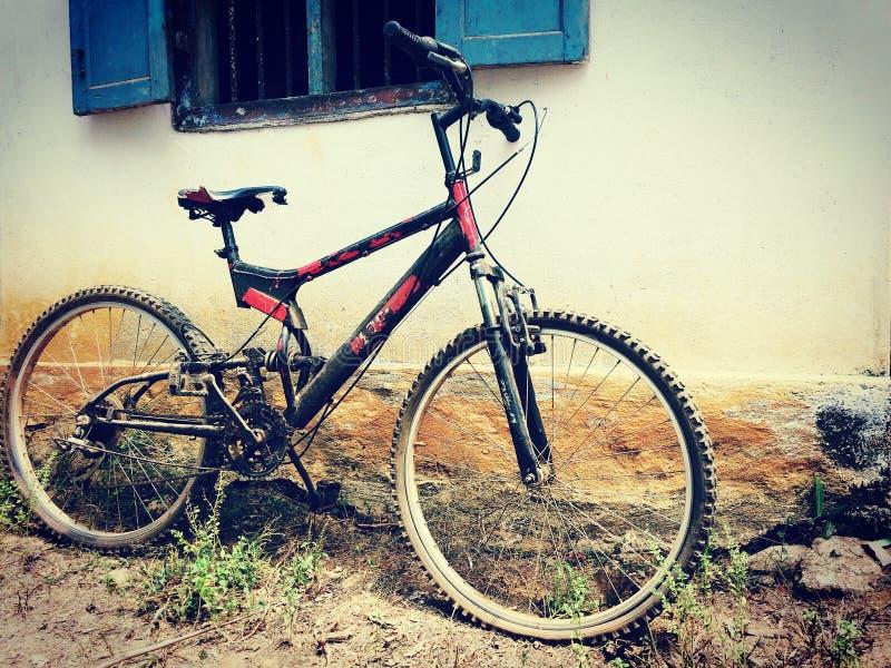 Brudny bicykl obraz royalty free