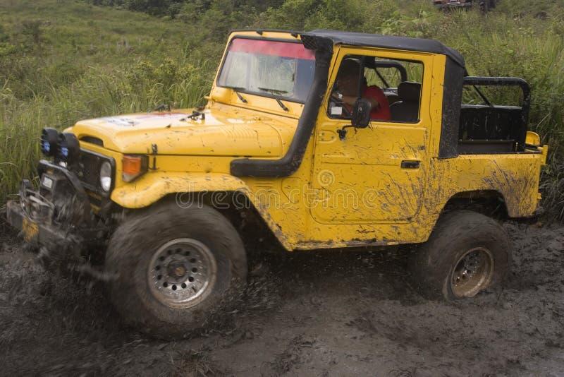 brudny jeep konkurencji obraz royalty free