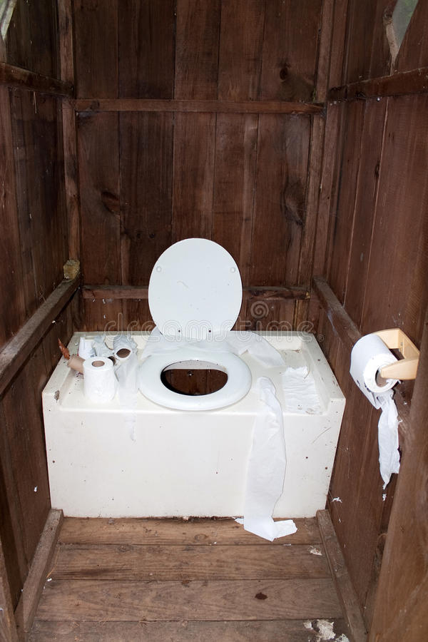 brudny outhouse zdjęcia royalty free