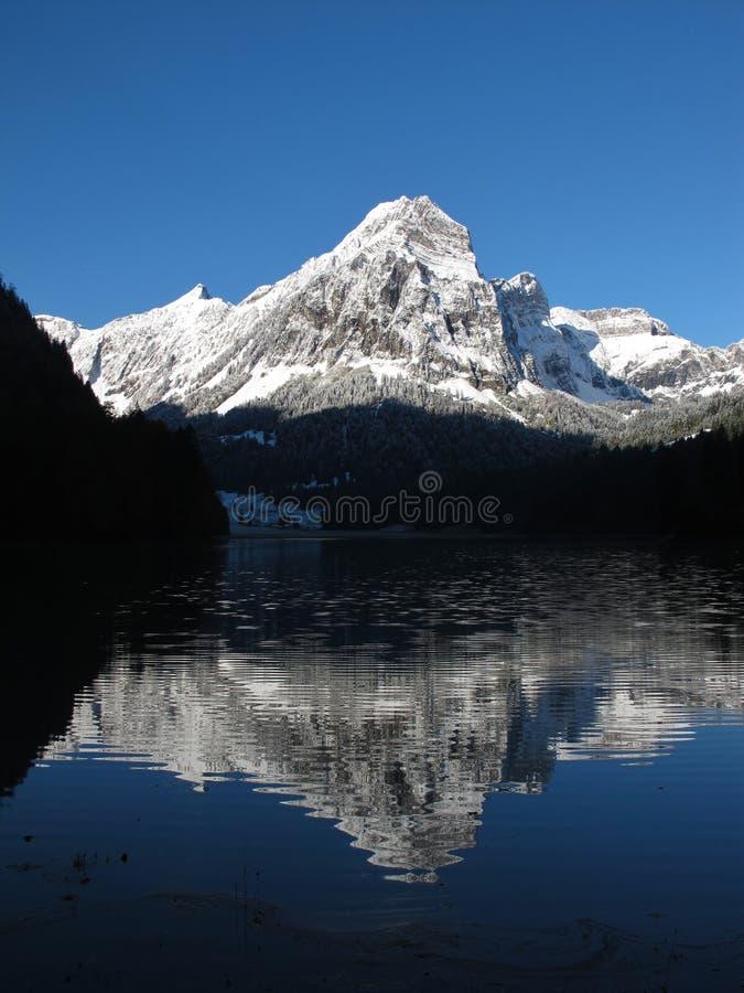 Download Bruennelistock Och LakeObersee G Arkivfoto - Bild av natur, idylliskt: 27284806