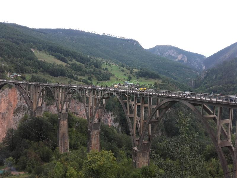 Brug bij de rivier Tara in Montenegro royalty-vrije stock afbeeldingen