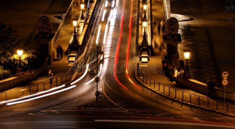 Brug bij nacht in Boedapest stock afbeeldingen