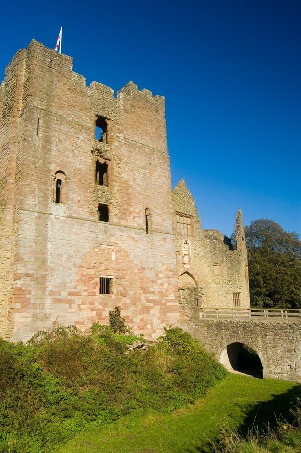 Brug en kasteel royalty-vrije stock foto's