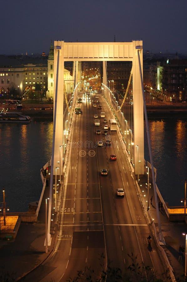 Brug op Boedapest stock afbeelding
